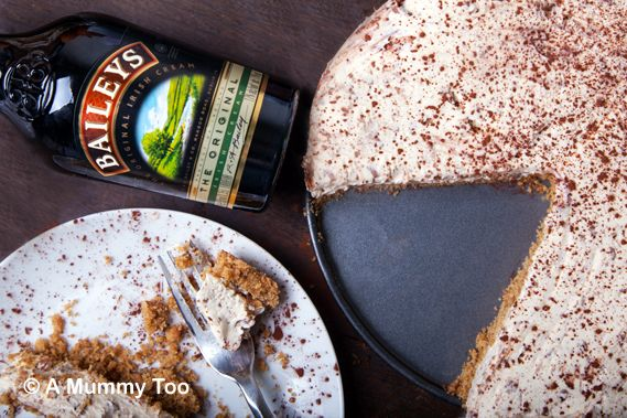 Amazing no-bake Baileys chocolate cheesecake (recipe)