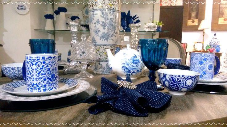 Peças azuis são uma boa pedida nesse fim de ano. Decore sua casa conosco!