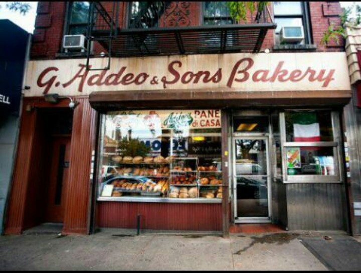 addeo sons bakery on 187 arthur ave the bronx. Black Bedroom Furniture Sets. Home Design Ideas