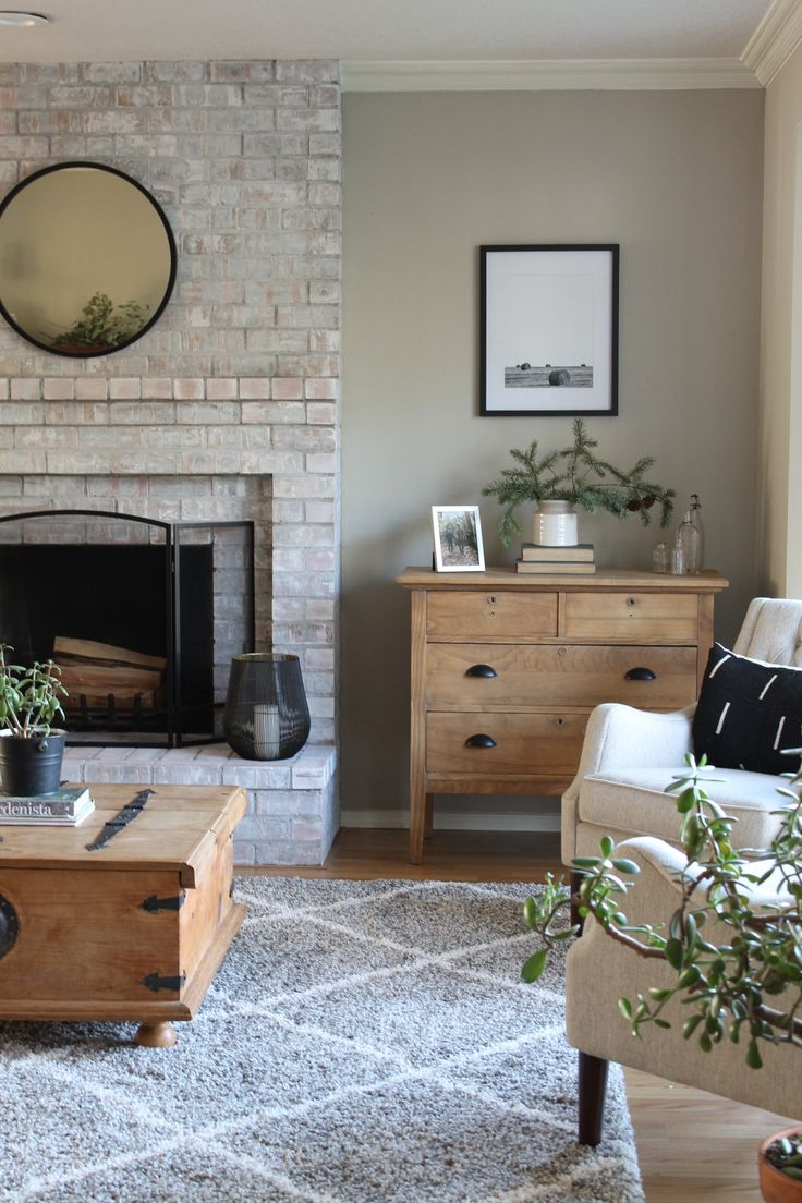 Minimalist Farmhouse Finds For Your Living Room Decor