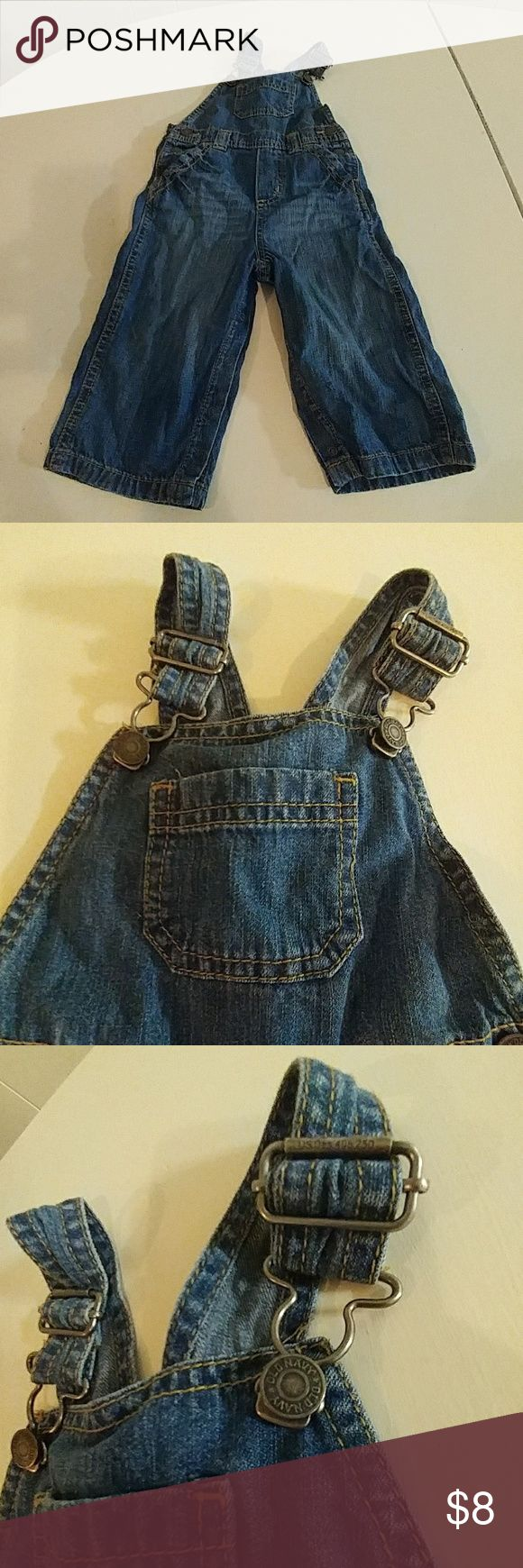 Adorable old navy 12-18months jean  overalls **Like new **12-18month **Great condition *old navy *smoke free home Old Navy One Pieces