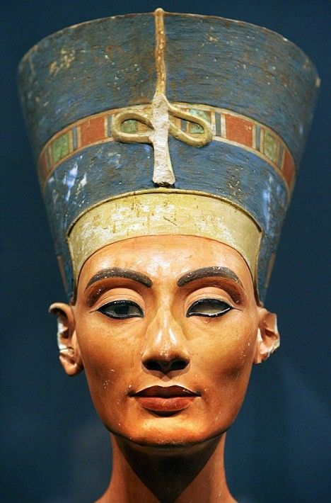 The History Blog » Blog Archive » Nefertiti bust was airbrushed