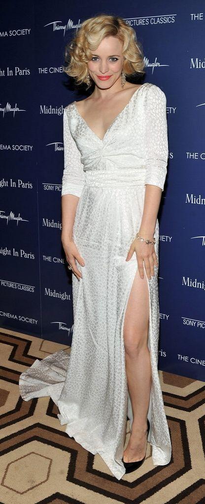 Rachel McAdams masters ladylike elegance and a daring slit.