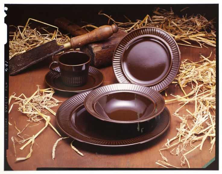[Tableware] - Collections & Research - Auckland War Memorial Museum