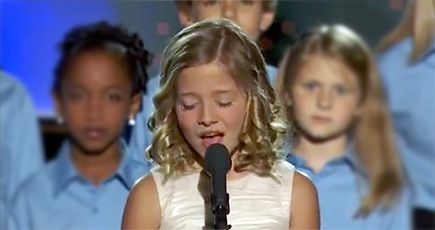 Jackie Evancho's Unbelievable Voice Silences a Room - Music Video