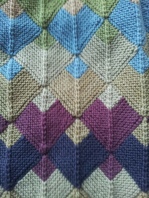 Like this color pattern; dispense italiano mitred knitting