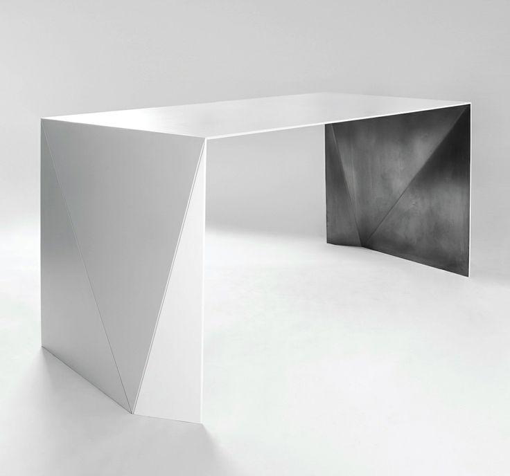 Momoko Higashifushimi | table