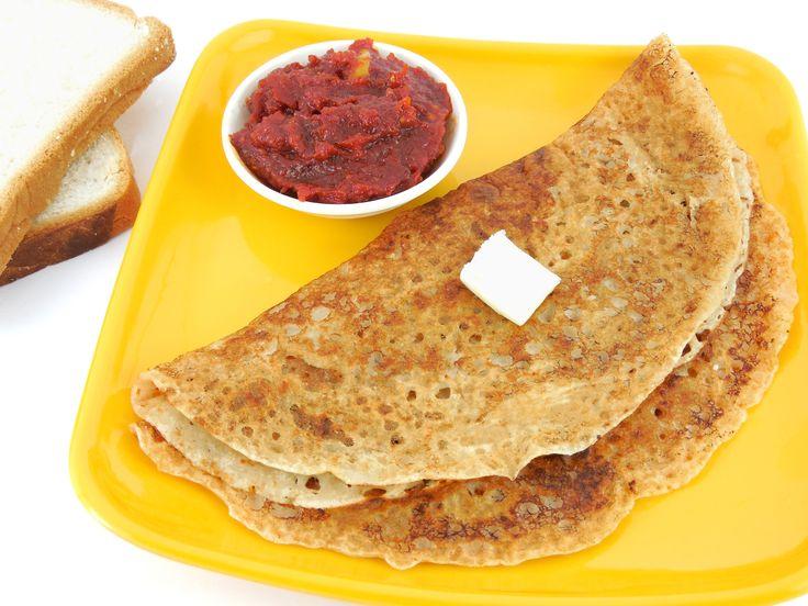 Un piatto popolare per la colazione indiana è la dosa, una sorta di pancake salato fatto di pastella di riso e servito con sottaceti piccanti e yogurt. http://it.hostelbookers.com/colazioni-nel-mondo/