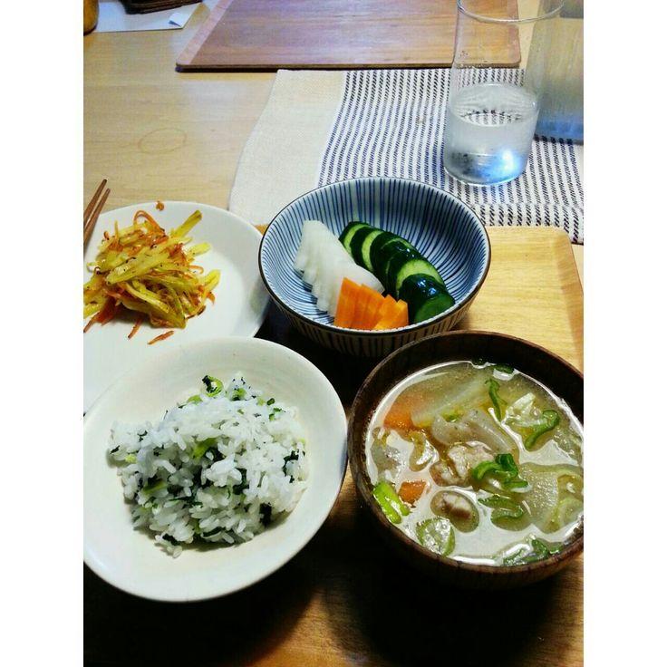 青菜ごはん 豚汁 ぬか漬け パパイヤとにんじん炒め