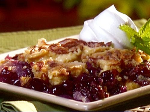 Pineapple Blueberry Crunch Cake Recipe : Paula Deen : Food Network - FoodNetwork.com This is really close to my grandmothers recipe. The only difference is that I use fresh blueberries and sugar on top. Not the pie filling.