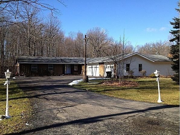 This 1700 square foot single family home has 3 bedrooms and 2.5 bathrooms. It is located at 1566   Marquis Ln   Brighton, Michigan. This home is in the Hartland School District. #zillow