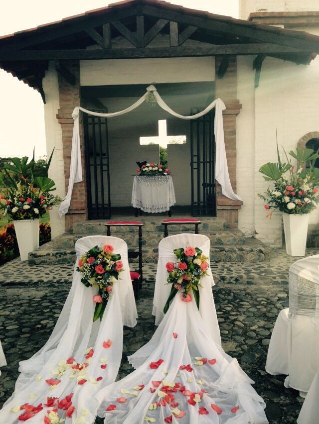 Sillas para los novios fiestas pinterest church for Sillas para bodas