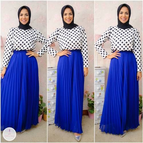 polka dots blouse with maxi skirt- Summer hijab fashion for teens http://www.justtrendygirls.com/summer-hijab-fashion-for-teens/