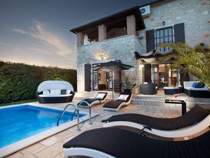 Moderne villen mit pool  Die besten 25+ Villa mit pool Ideen auf Pinterest | Moderne villa ...