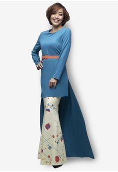 Tivela Modern Kurung from Emel by Melinda Looi in green and blue_1