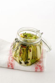 Cerchi una ricetta facile e sfiziosa per conservare i cetrioli? Scegli fra le proposte di Sale&Pepe e sarà un successo assicurato.