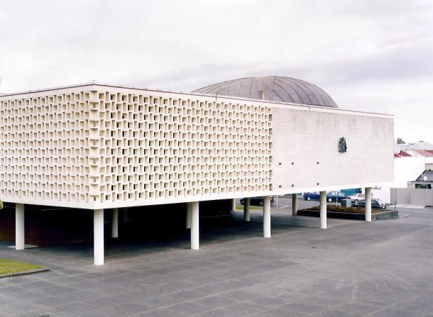 Whanganui War Memorial Hall, by Gordon Smith of the Auckland Architectural Partnership, Greenhough, Smith and Newman.