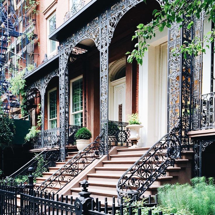 Some of the beautiful buildings that line Gramercy Park