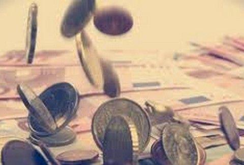 Στο στόχαστρο επαγγελματίες με τζίρο έως 10.000 ευρώ: Την επιβολή προστίμων σε ελεύθερους επαγγελματίες και επιχειρήσεις που απαλλάσσονται…