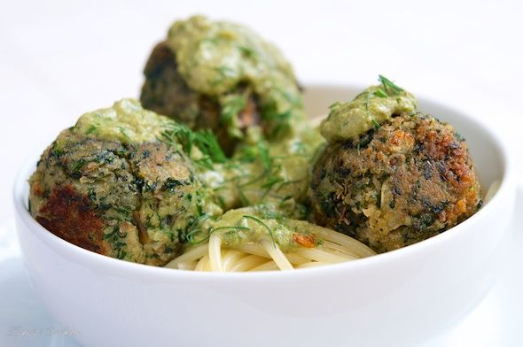 Vegan Spinach Balls with Pesto Sauce, from Vegalicious. Another great use for pesto sauce.