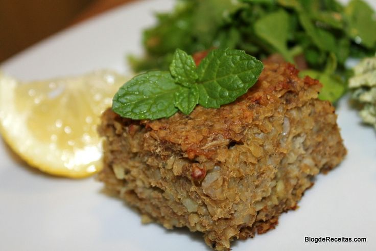 Kibe de Bandeja (ground beef with bulgur wheat) by Gabriela Dedolph