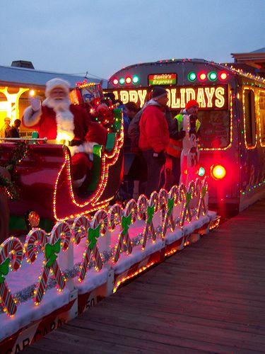 Chicago Holiday Traditions: Holiday El Train #santaiscoming