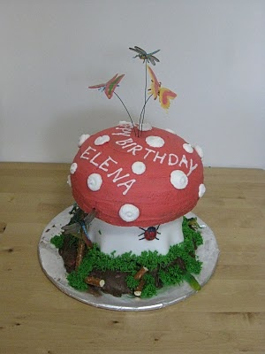 Kitchen Creativity: Toadstool Nature Cake