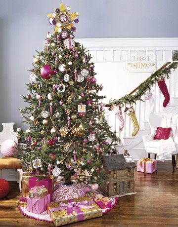 Clock-Christmas-tree-country-living
