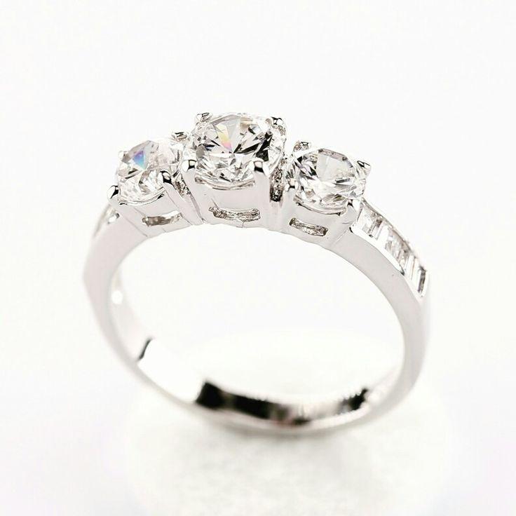 Sweet Rocks står för det personliga, hög kvalitét, toppservice & 100% kundnöjdhet.  Vi handsmider våra ringar dvs. att Du kan designa Din helt egna ring.  Vi har 1300 olika ringdesigner i vår kollektion & alla finns som provringar i vår ateljé. Vi värderar Dig som kund och Din nöjdhet högst därför levereras våra ringar med värderingsintyg från oberoende värderingsman & diamantcertifikat (GIA) för att Du ska veta vad Du köper samt att det är till rätt pris!  erika@sweetrocks.nu…