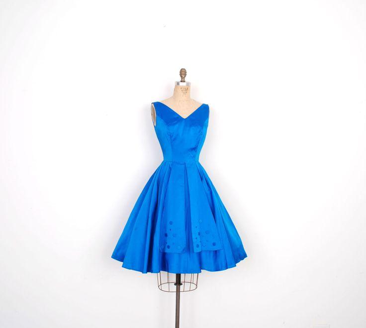 Vintage jaren 1950 jurk / 50s satijn partij jurk met Full Skirt / Cobalt Blue (XS S)  Echt showstopping satijn  50s partij jurk in de meest