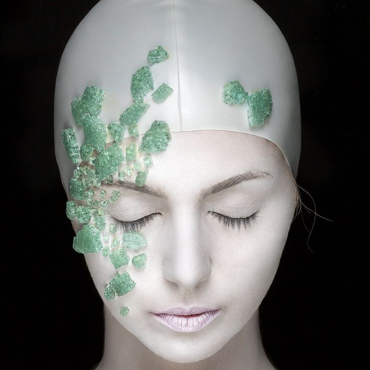 Photo: Marta Loureiro with Fernanda Mota makeup #photoshoot #photo #model #green #rock #hope #serenity #makeup