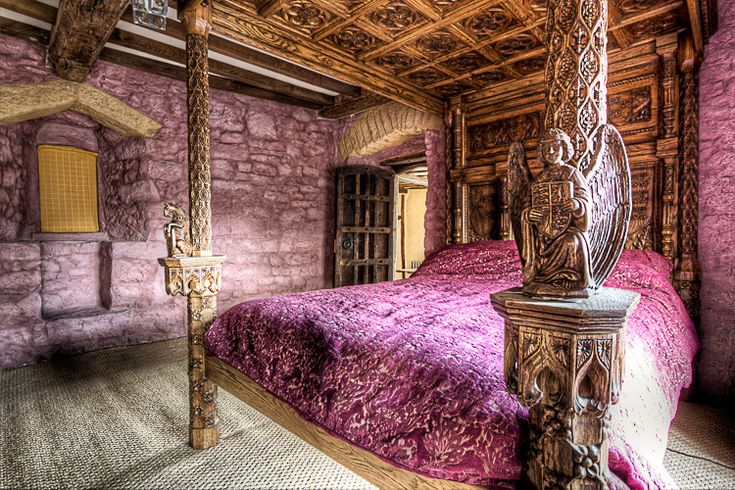 Medieval Master Bedrooms | The medieval master bedroom is shown here fully restored. You can see ...