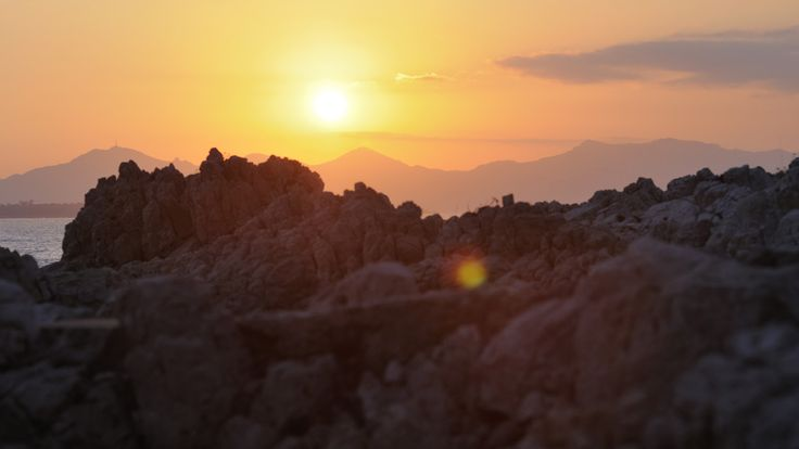 Couché de soleil sur le massif de l'Estérel, pris depuis le Cap d'Antibes. par Fabien Dupy - www.dupy.fr