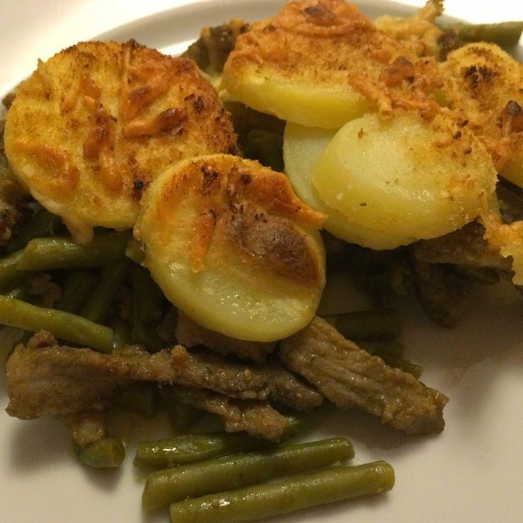 Shoarma, boontjes en aardappelen gegratineerd in de oven. Favoriet bij onze kinderen.