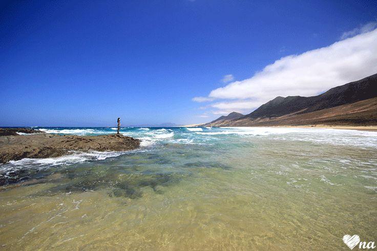 http://onawielepiej.blogspot.com #fuerteventura #beach #sea #ocean #waves #woman