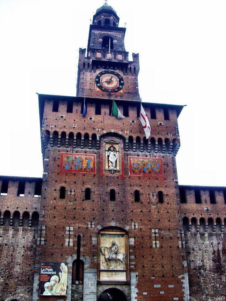 Torre del Filarete, Castillo Sforzesco (Milano - Italy)