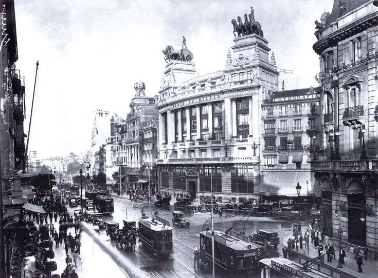 Alcalá con Sevilla en los años 20, espectacular !