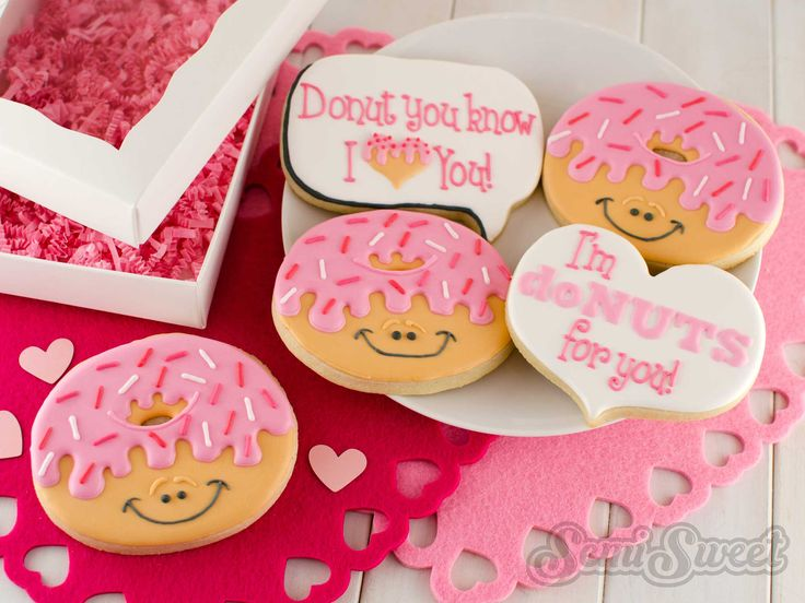 1000+ ideas about Valentines Day Cookies on Pinterest ...