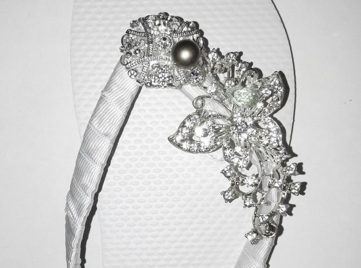 Bridal Flip Flops, Gorgeous Leaf  Wedding White Flip Flops, Shoes, Crystal Flip Flops Bridal Gift, Bridesmaids set, Hand made by CocoChicBouquet on Etsy