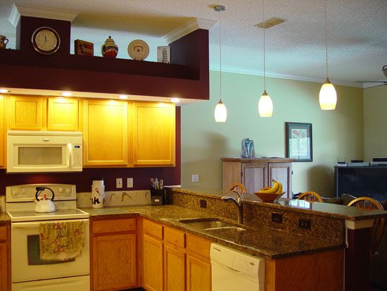 small kitchen design with lighting ideas