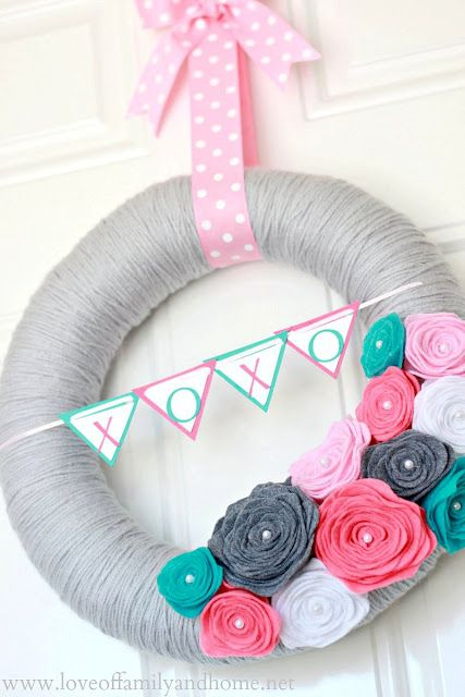 Wreath- could make XOXO last name and do in different colors for a all year round wreath