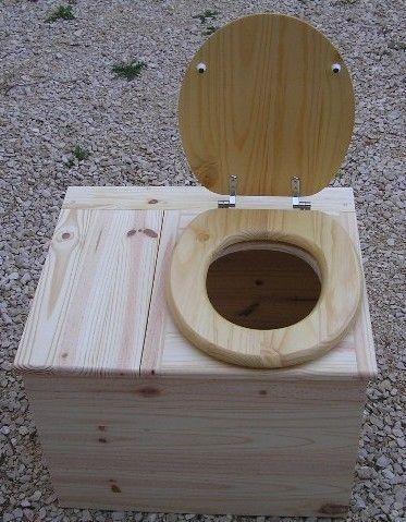 Toilettes sèches bac a sciures et abattant classique