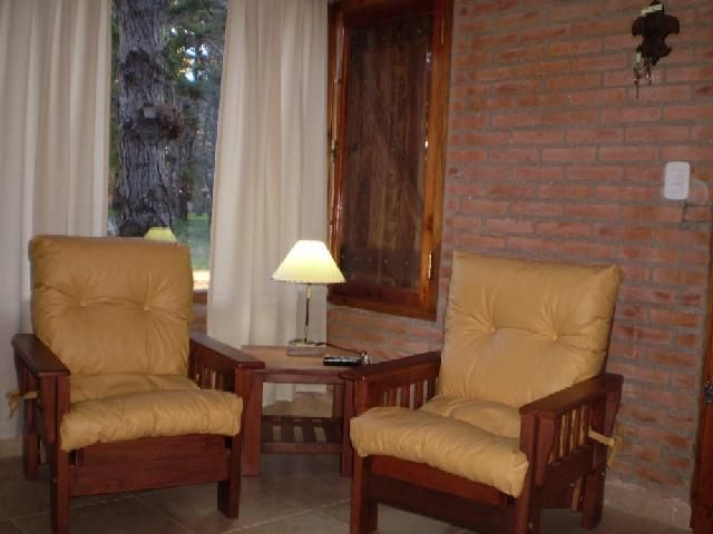 Casa dise o de interiores pared de ladrillos muebles - Muebles con ladrillos ...