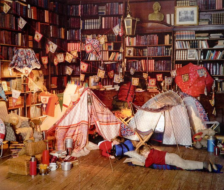 No Idea Why This Says Carolina Herrera When Its Plainly An Awesome Library Blanket Fort
