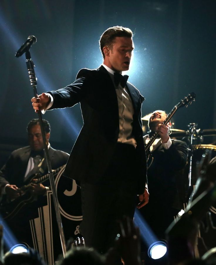 So here's something real depressing. Next thursday night JT will be at the TD Garden in boston for his tour. & I'm stuck at school & don't have tickets because the tickets I originally bought were for back in november but then got rescheduled for July... So this means I have to wait 150 more days to see him <<< #storyofmylife #JTfanproblems