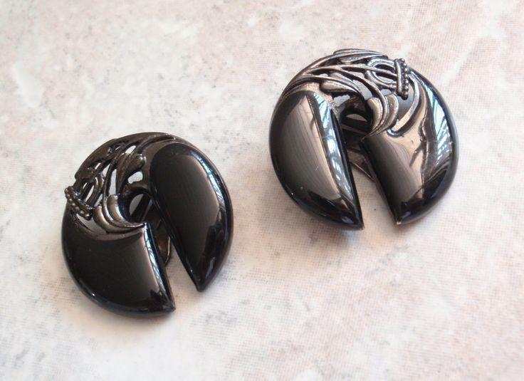 Black Enamel Clips Earrings Berebi Asian Inspired Vintage 080114ON by cutterstone on Etsy