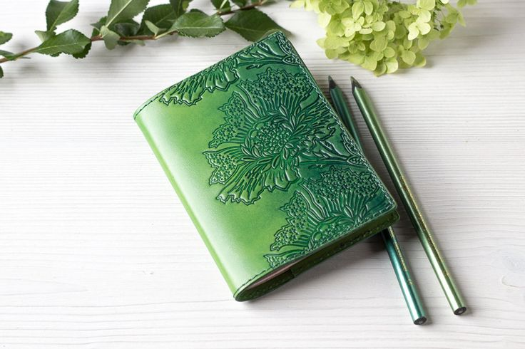 https://www.etsy.com/ru/listing/258351387/green-leather-passport-cover-passport?ref=shop_home_active_18