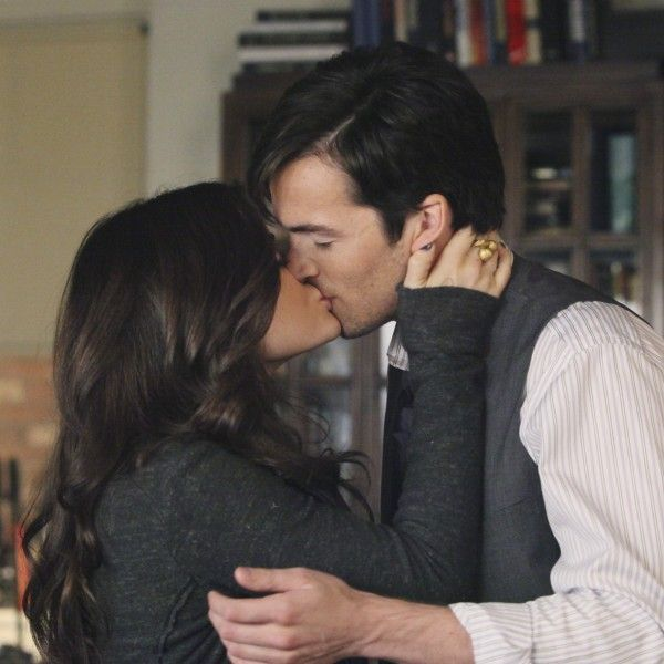 did aria and ezra dating in real life Into the deep is an episode of pretty little liars starring troian bellisario, ashley benson, and tyler blackburn.