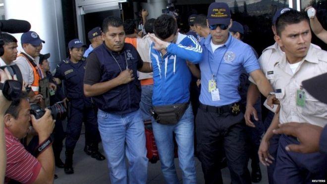 Honduras arrests five US-bound Syrians with stolen passports 11.18.15
