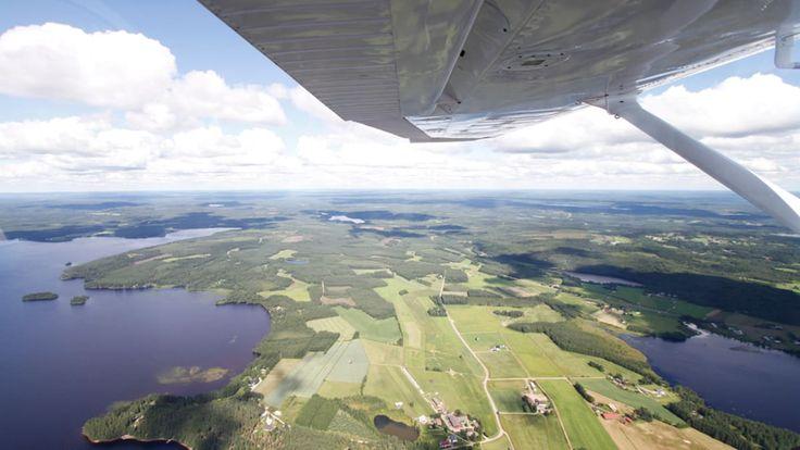 Kainuun maisemaa lentokoneesta kuvattuna.